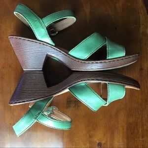 "Born Sandals Green Ankle Strap Buckle 2 1/2"" Heel"